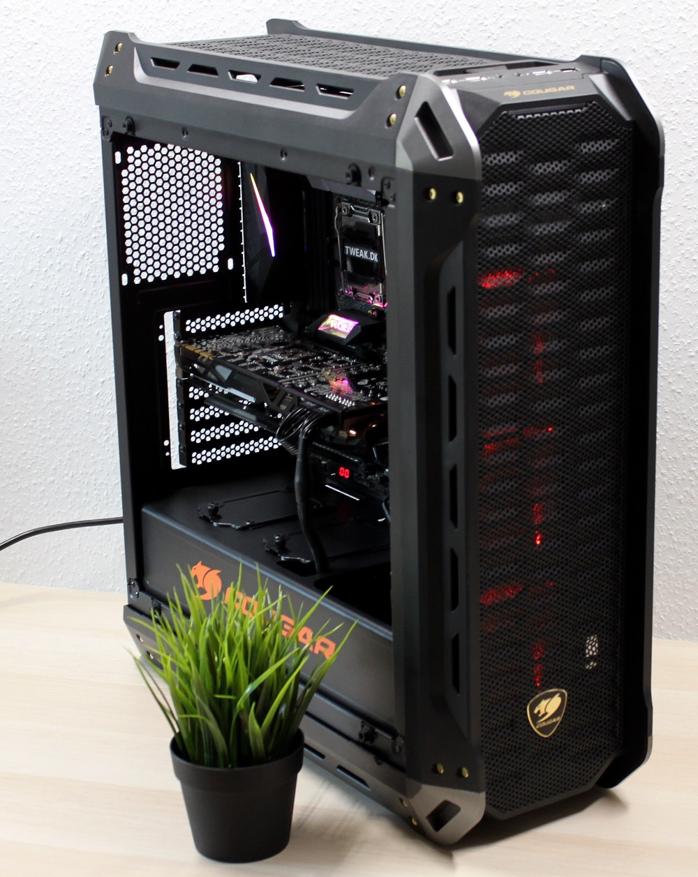 Cougar computer mid-tower chassis