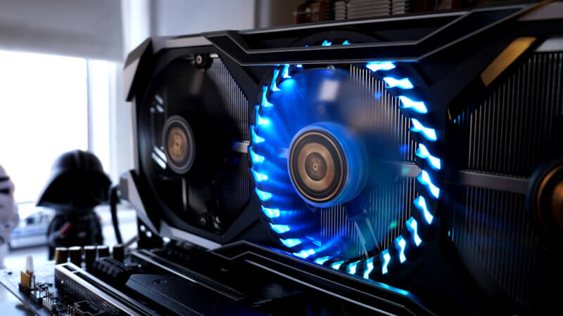asrock_rx_5700_xt_rgb_led_fan.jpg