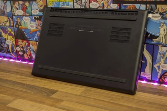 Razer Blade 15 Advanced: Gaming laptop with RTX 2080!