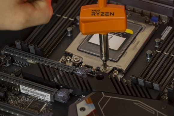 AMD Ryzen Threadripper 2920x and 2950x motherboard mounting tool