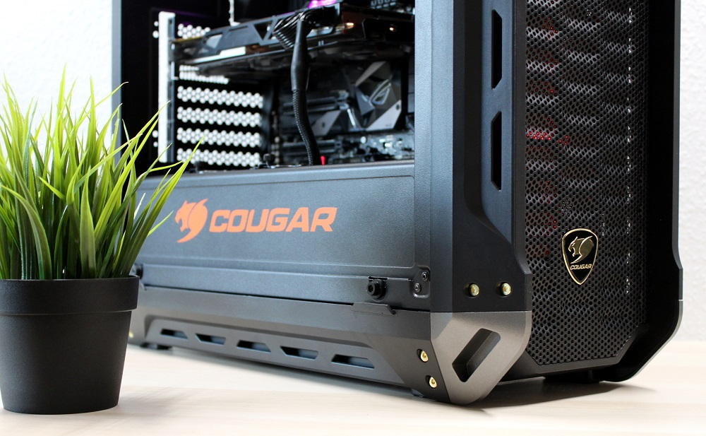 Review: Cougar Panzer-S computer case